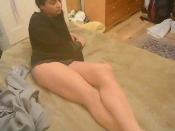 Pakistani Bhabi Bushra Showing Her Hot Legs