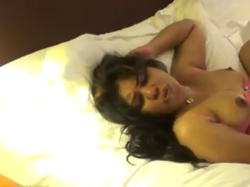 Wet Indian Wife Kajol Real XXX Video
