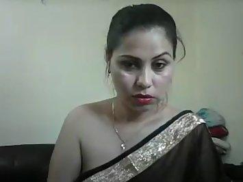 Jhanvi Bhabhi In Black Sari Pussy Show