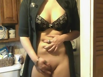 Indian Aunty Masturbate In Lingerie