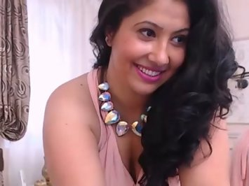 indian bhabhi perfomring on live cam show